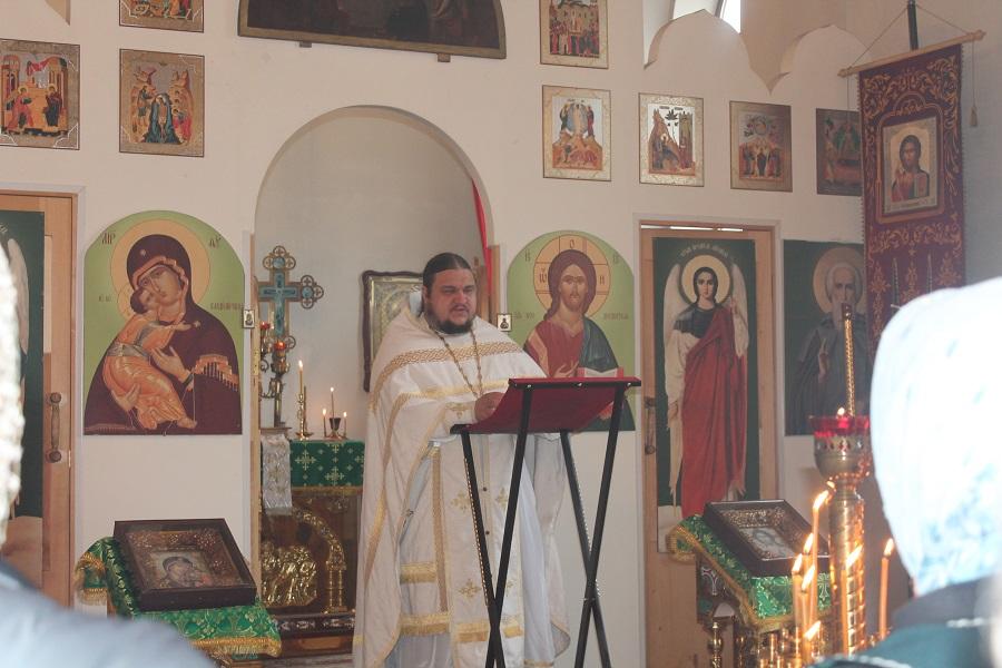 В кирове, по предварительным данным, покончил с собой настоятель свято-успенского кафедрального собора трифонова