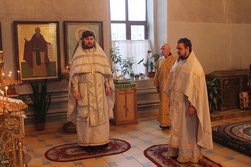 Слова поздравления также сказал глава города кирова валерий владыкин