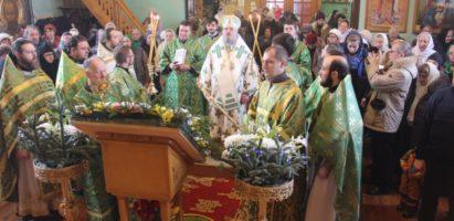 Божественной литургии в храме  преподобного Серафима, Саровского в городе Сосенский