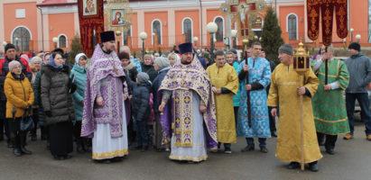 В Александро-Невском кафедральном соборе города Кирова состоялась торжественная встреча святынь