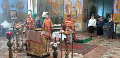 Праздничные богослужения в Александро-Невском кафедральном соборе в День Великой Победы
