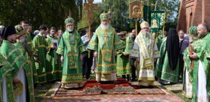 В обители праведного Лаврентия в г. Калуге прошли праздничные богослужения