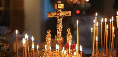Вечернее богослужение в Александро-Невском соборе накануне Дмитриевской родительской субботы