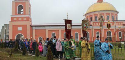 В день празднования Казанской иконы Божией Матери в г. Кирове состоялся Крестный ход